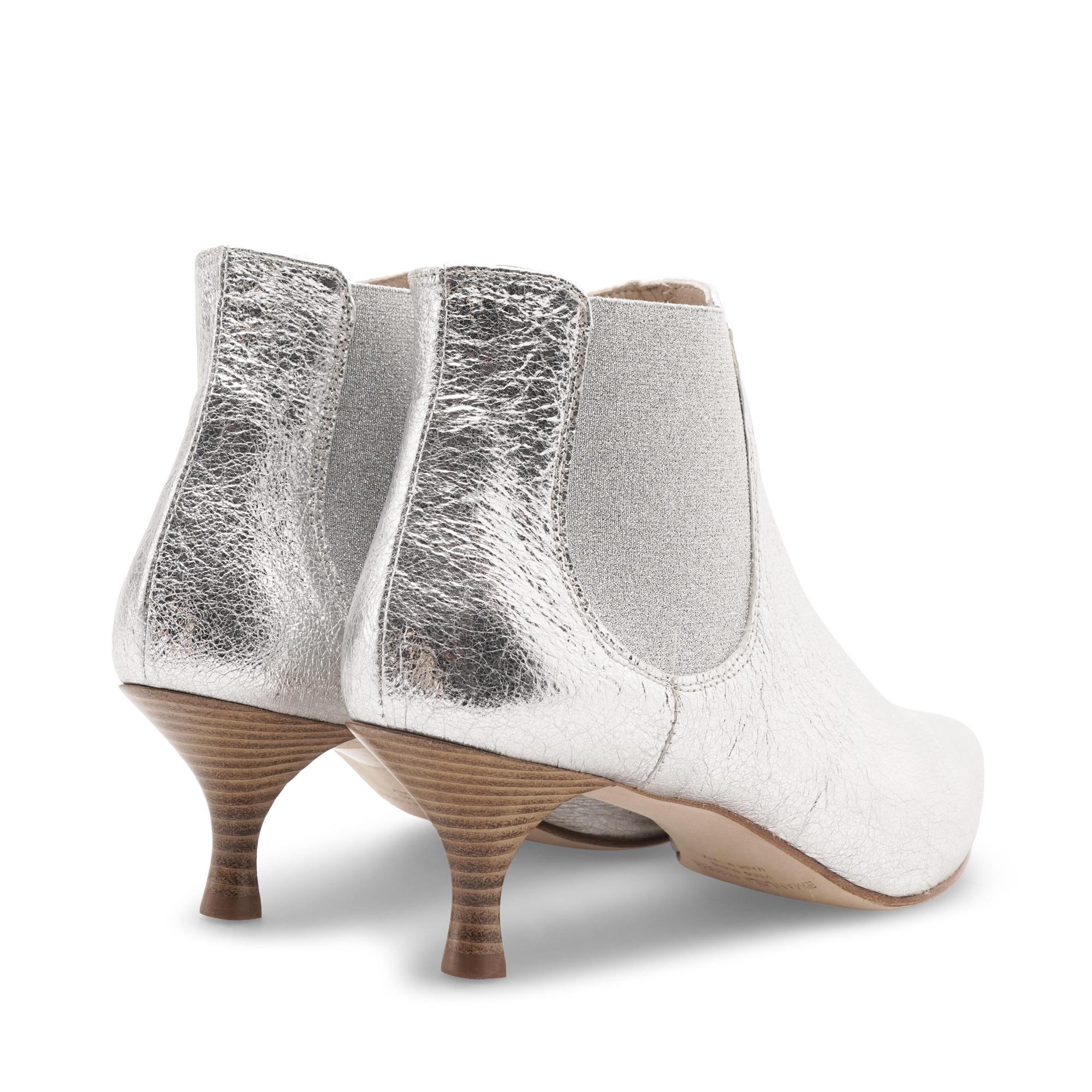 tronchetto-stivaletto-laminato-argento-emanuela-passeri-shoes-heels-spring-summer-2021